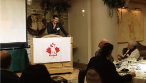出席者からの質問にこたえるケール・ハズバンドさん。軽快なトークに会場の雰囲気も和みます